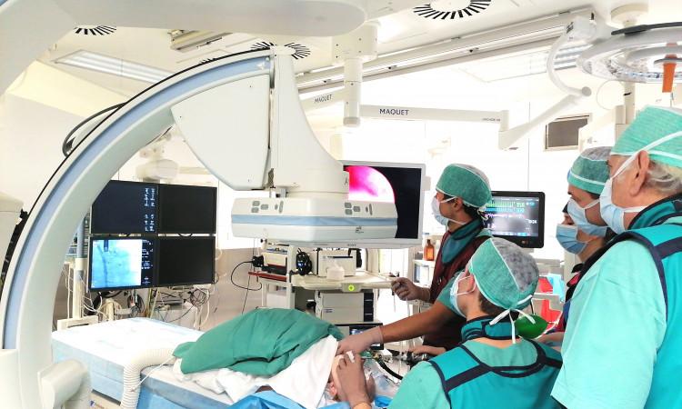 Zabieg implantacji stentów do oskrzeli głównych w IPCZD
