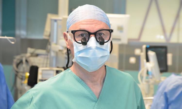 """Chirurdzy z IPCZD publikują w """"The Lancet"""""""